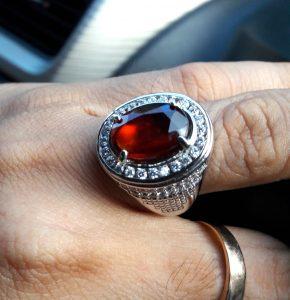Batu Garnet Merah 3