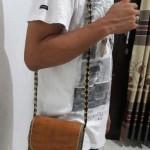 Tas Selempang pria kulit kayu